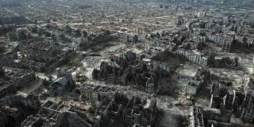 Zniszczona Warszawa w 1944 roku